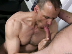 Bearded hunk got seduced for gay fuck at the office