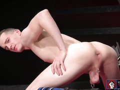 Axel Abysse seduces Matt for horny action